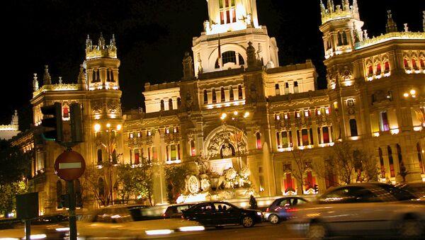 Праздничная иллюминация в центре Мадрида, по случаю бракосочетания наследного принца Фелипе. - Sputnik Аҧсны