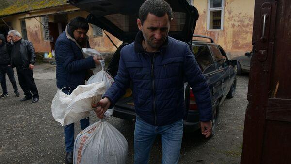Ценный враг: как в Ткуарчале прощались с мраморным клопом - Sputnik Абхазия