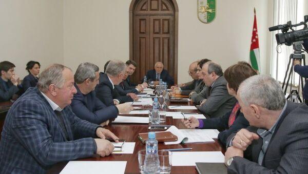Расширенное совещание, посвящённое вопросам подготовки к предстоящему курортному сезону - Sputnik Абхазия