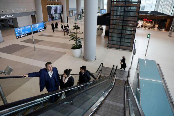 Эскалатор в новом международном аэропорту Стамбул, в Стамбуле - Sputnik Абхазия