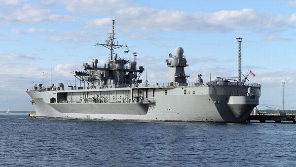 Флагманский корабль шестого флота США Mount Whitney в порту Таллина - Sputnik Аҧсны