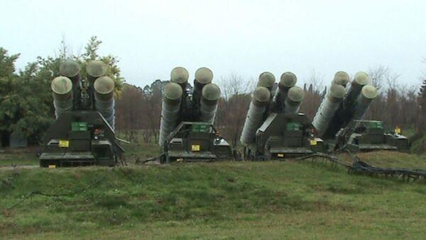 И на небе, и на земле: зенитчики ЮВО защитили объекты в Абхазии от условного противника - Sputnik Абхазия