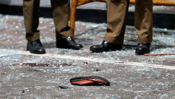 Обувь жертвы взрыва у церкви в Шри-Ланке, 21 апреля 2019 - Sputnik Абхазия