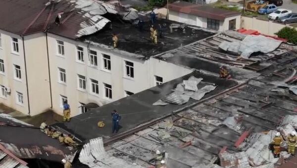 Остались без крыши: как выглядит Сухумская школа № 2 после пожара - Sputnik Абхазия