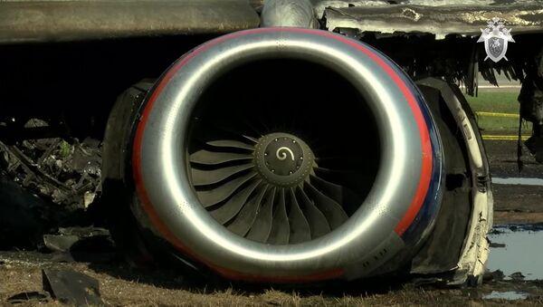 Следственные действия на месте аварийной посадки самолёта в аэропорту Шереметьево - Sputnik Абхазия