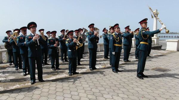Генеральный прогон: как проходила последняя репетиция перед парадом Победы в Сухуме - Sputnik Абхазия
