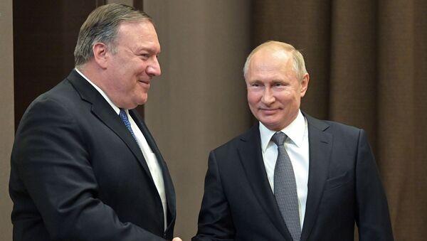 Президент РФ В. Путин встретился в Сочи с госсекретарем США М. Помпео и главой МИД РФ С. Лавровым - Sputnik Абхазия