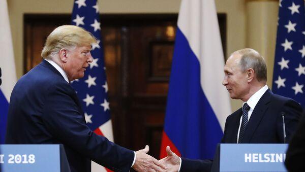 Президент США Дональд Трамп и президент РФ Владимир Путин, архивное фото - Sputnik Абхазия