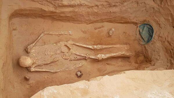 Золото сарматских царей: что нашли археологи под Астраханью - Sputnik Абхазия
