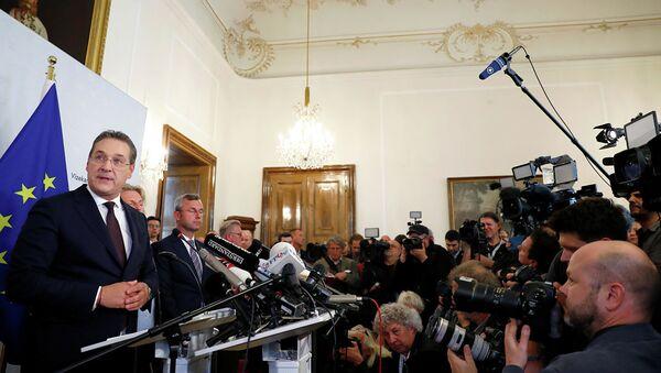 Вице-канцлер Австрии и председатель Партии свободы ФПО Хайнц-Кристиан Штрахе на пресс-конференций в Вене - Sputnik Абхазия