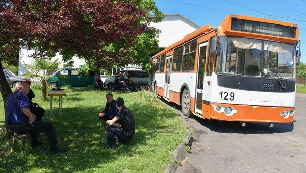 Ситуация с транспортом в городе  - Sputnik Абхазия