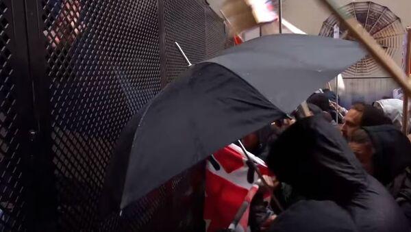 Столкновения между полицией и антифа-активистами произошли на улицах Болоньи - Sputnik Абхазия