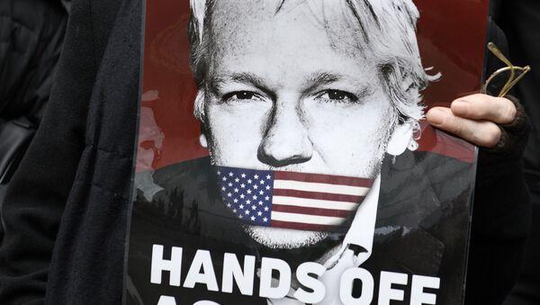 Акция в поддержку Дж. Ассанжа в Лондоне - Sputnik Абхазия