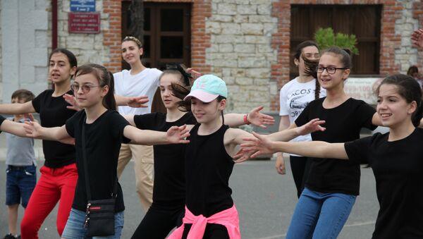 Дышать полной грудью: как прошла спортивная акция на набережной Сухума - Sputnik Абхазия