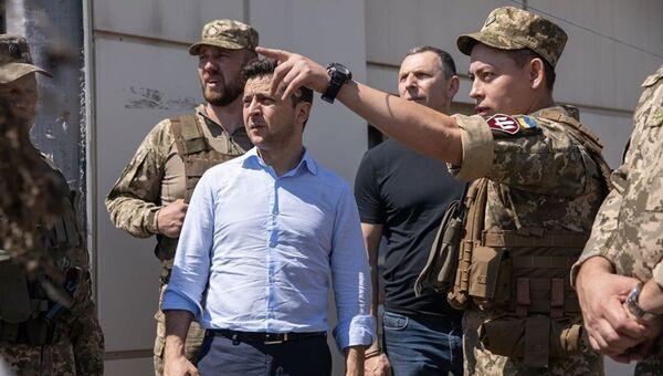 Владимир Зеленский во время визита на Донбас - Sputnik Абхазия