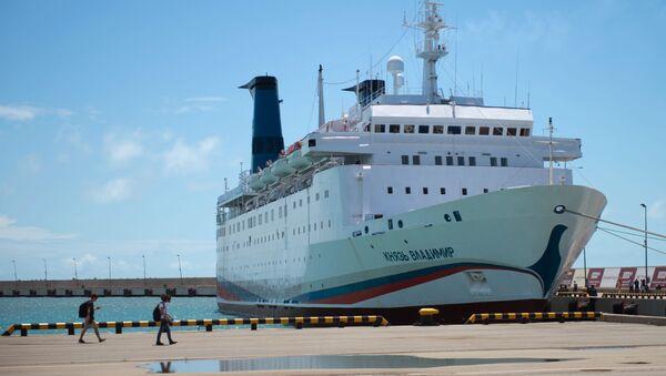 Первый пассажирский рейс круизного лайнера Князь Владимир в Сочи - Sputnik Абхазия