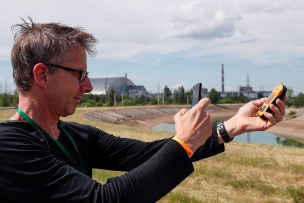 Фотографирование дозиметра в Чернобыле - Sputnik Абхазия