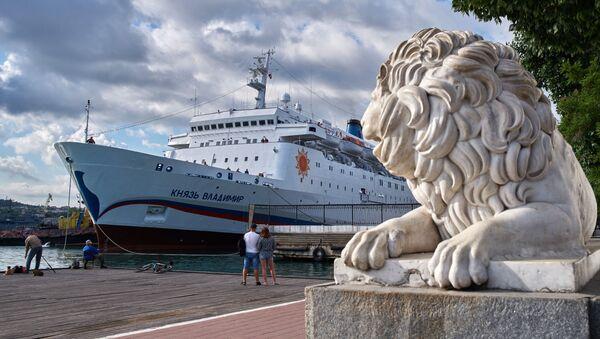 Прибытие круизного лайнера Князь Владимир - Sputnik Абхазия