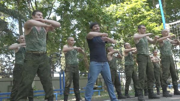 Курс немолодого бойца: корреспондент Sputnik в шоке от армии Абхазии - Sputnik Абхазия