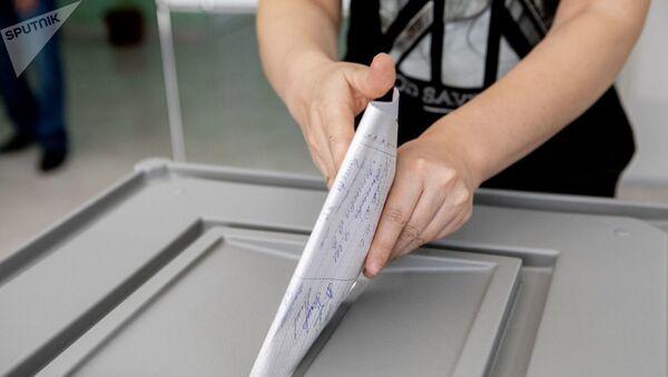 Голосование на выборах президента Южной Осетии - Sputnik Абхазия