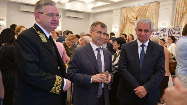 Российское посольство в Абхазии провело торжественный прием ко Дню России - Sputnik Абхазия