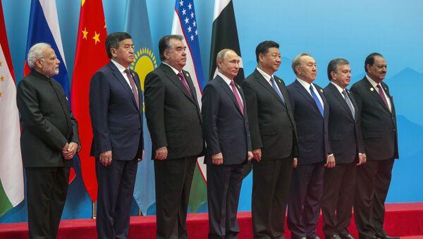 Президент РФ В. Путин на саммите ШОС в Китае. День второй - Sputnik Абхазия