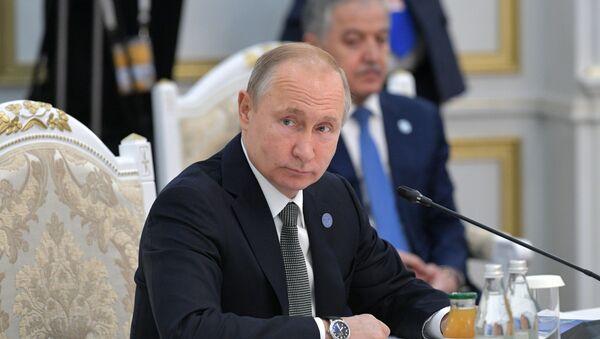 Президент РФ В. Путин принимает участие в заседании Совета глав государств – членов ШОС в Бишкеке - Sputnik Абхазия