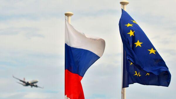 Флаги России, ЕС - Sputnik Абхазия
