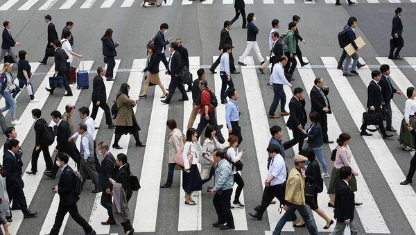 Люди на улице в Токио - Sputnik Абхазия