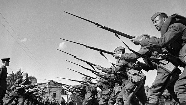 Обучение бойцов перед отправкой на фронт - Sputnik Абхазия