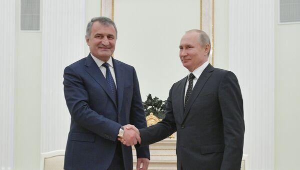 Владимир Путини Анатоли Бибилови - Sputnik Аҧсны