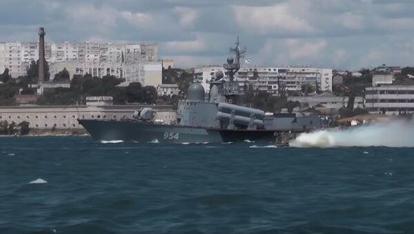В Севастополе прошёл «Морской бой» в рамках форума «Армия-2019» - Sputnik Абхазия