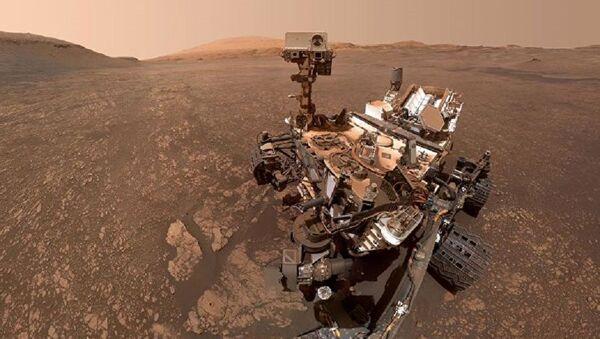Марсоход Curiosity сделал сэлфи на фоне залежей глины - Sputnik Абхазия