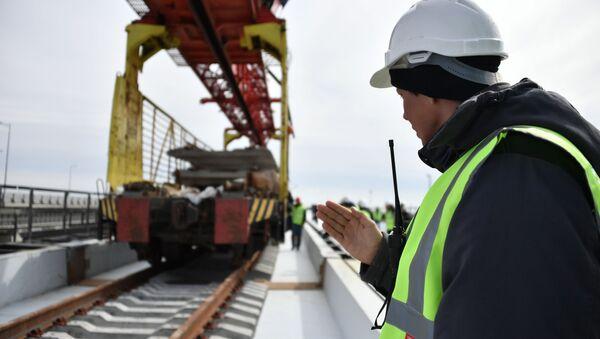 Строительство железнодорожной части Крымского моста - Sputnik Абхазия