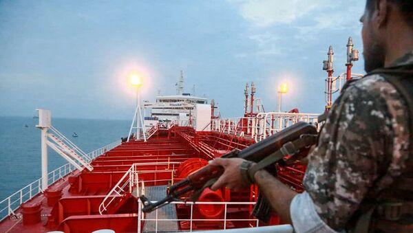 Иранский военный на борту танкера Stena Impero,архивное фото - Sputnik Абхазия