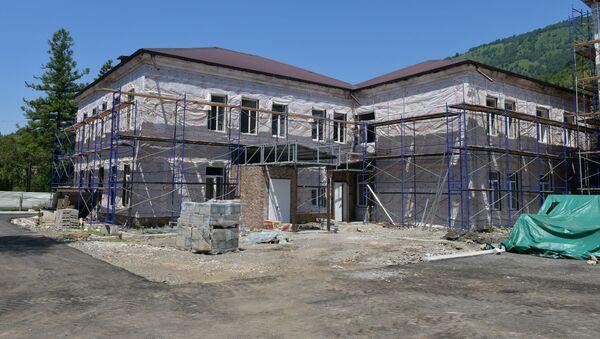 Капитальный ремонт больницы в городе Ткуарчал - Sputnik Абхазия