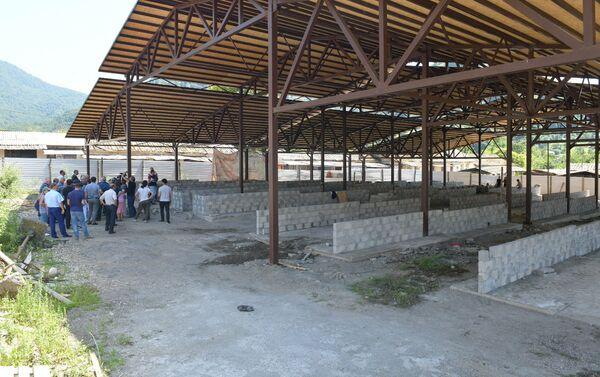 Строительные работы на рынке в Ткуарчале - Sputnik Абхазия