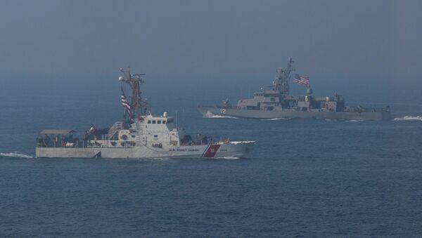 Американские военные корабли во время учений в Персидском заливе - Sputnik Абхазия