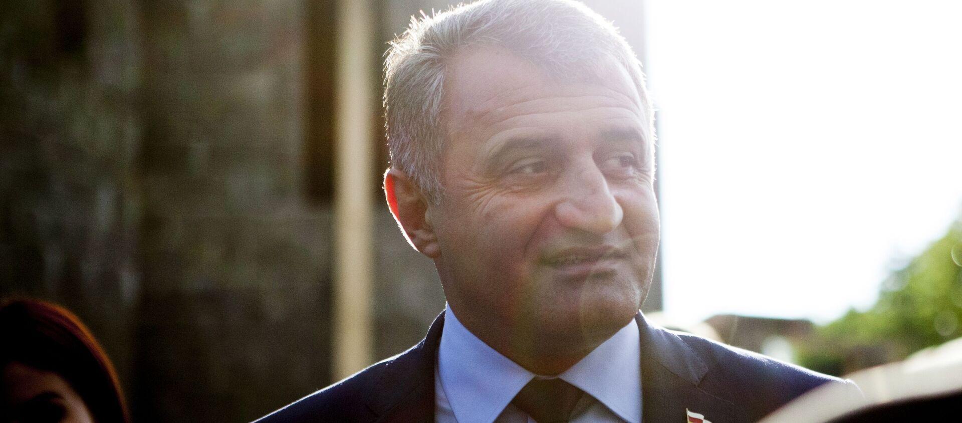 Президент Южной Осетии Анатолий Бибилов - Sputnik Абхазия, 1920, 27.09.2021