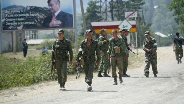 Российские военнослужащие направляются в сторону Цхинвала - Sputnik Абхазия
