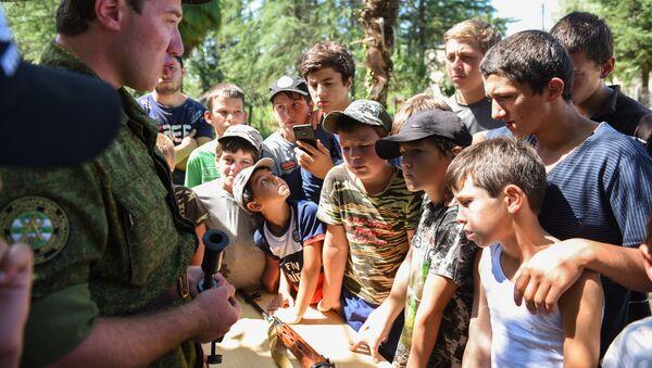 Военно-патриотический лагерь в селе Чхортол  - Sputnik Абхазия