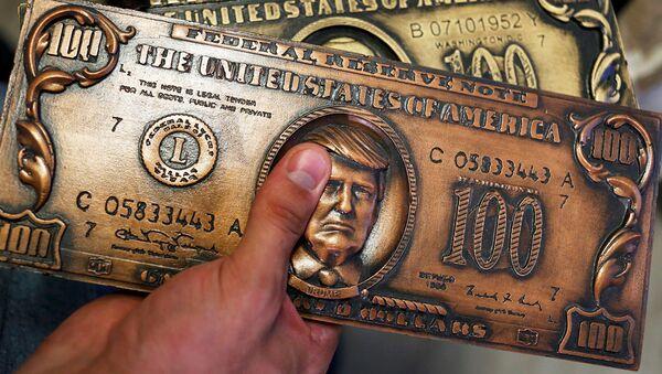 Пластина для печати сувенирных долларовых купюр  - Sputnik Абхазия