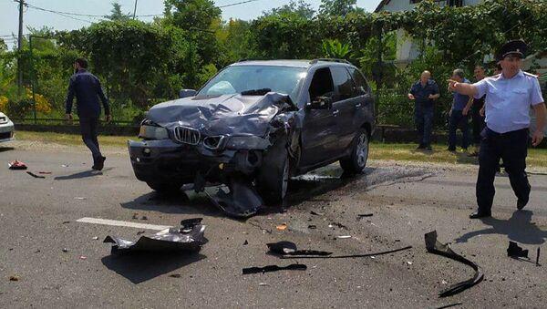 Автомобильная авария в Гулрыпше  - Sputnik Абхазия