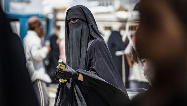 Женщина в хиджабе, архивное фото - Sputnik Абхазия