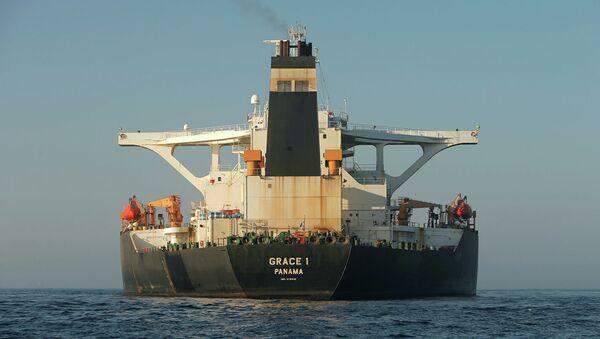 Нефтяной танкер Grace 1 в Гибралтарском проливе - Sputnik Абхазия