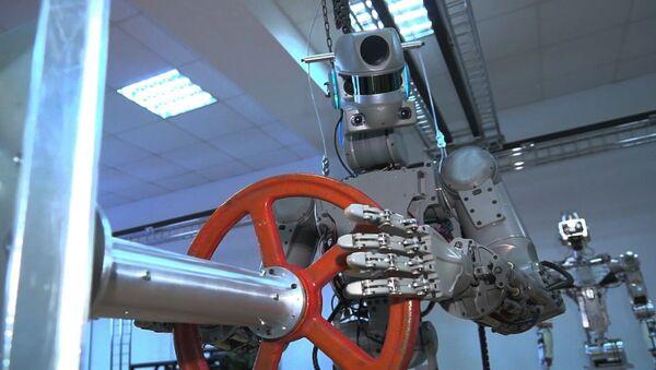 Робот Федор готовится на старт - Sputnik Абхазия