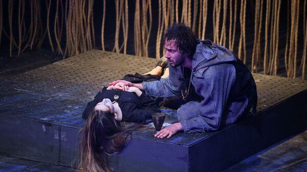 Предпремьерный показ спектакля по Шекспиру Ромео и Джульетта  - Sputnik Абхазия