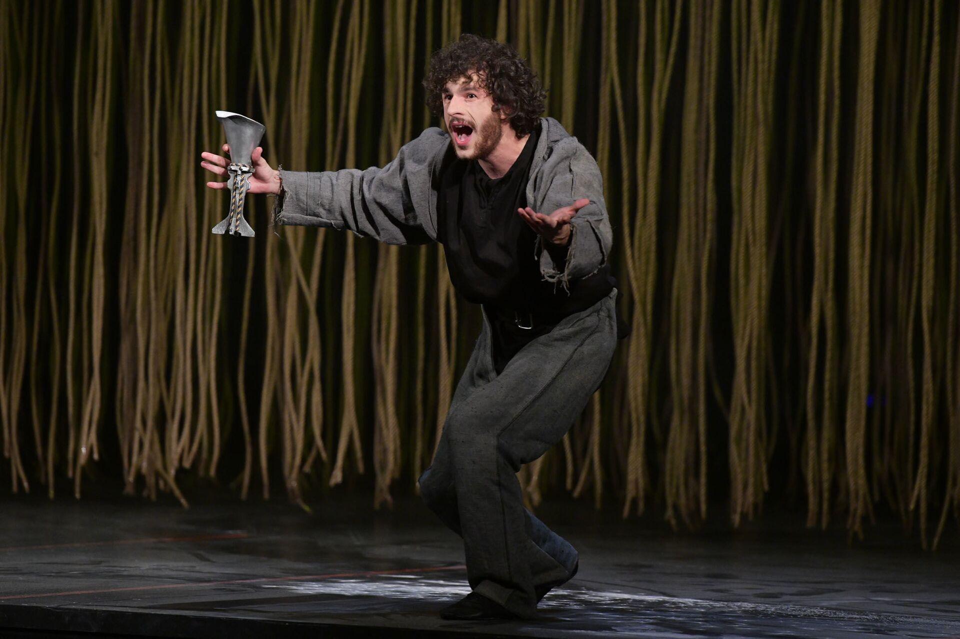 Предпремьерный показ спектакля по Шекспиру Ромео и Джульетта  - Sputnik Абхазия, 1920, 12.10.2021