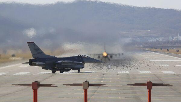 Истребители F-16 - Sputnik Абхазия