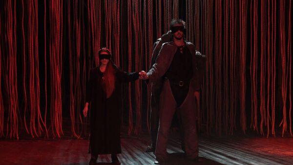 Страсть и трагедия на сцене: Ромео и Джульетта в Абхазском драмтеатре  - Sputnik Абхазия